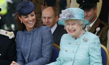 'Queen Elizabeth is planning a surprise for Kate Middleton on 10th wedding anniversary'