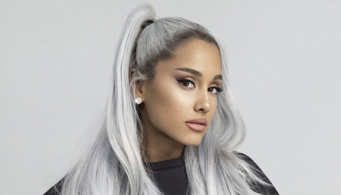 Ariana Grande remembers fans during Valentines Day ...
