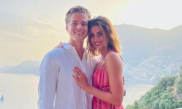 Taylor Hill announces engagement to boyfriend Daniel Fryer